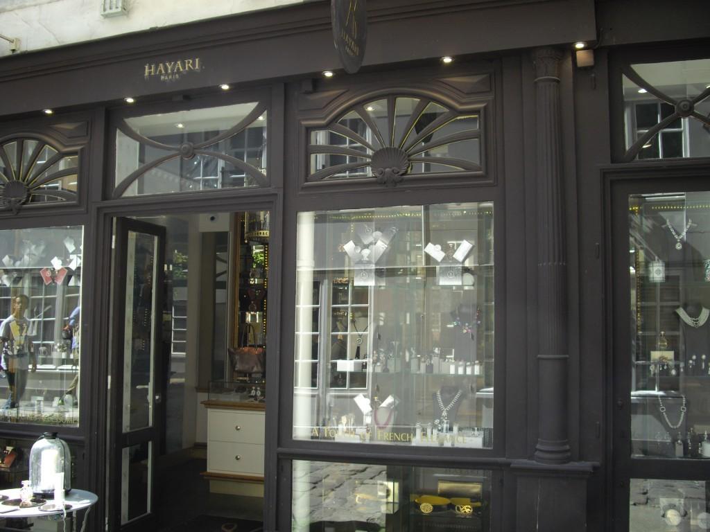 Nouvelle boutique Hayari dans la très chic Cour du Commerce Saint André