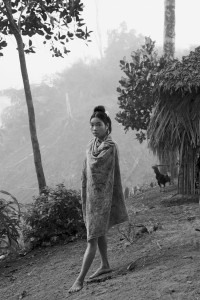Jeune femme Palawan- Courtesy Galerie Argentic © Pierre de Vallombreuse