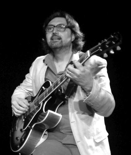 Giacomo Anastasi chante les Cantautori