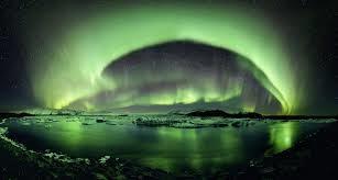 La Terre lumineuse : les aurores boréales