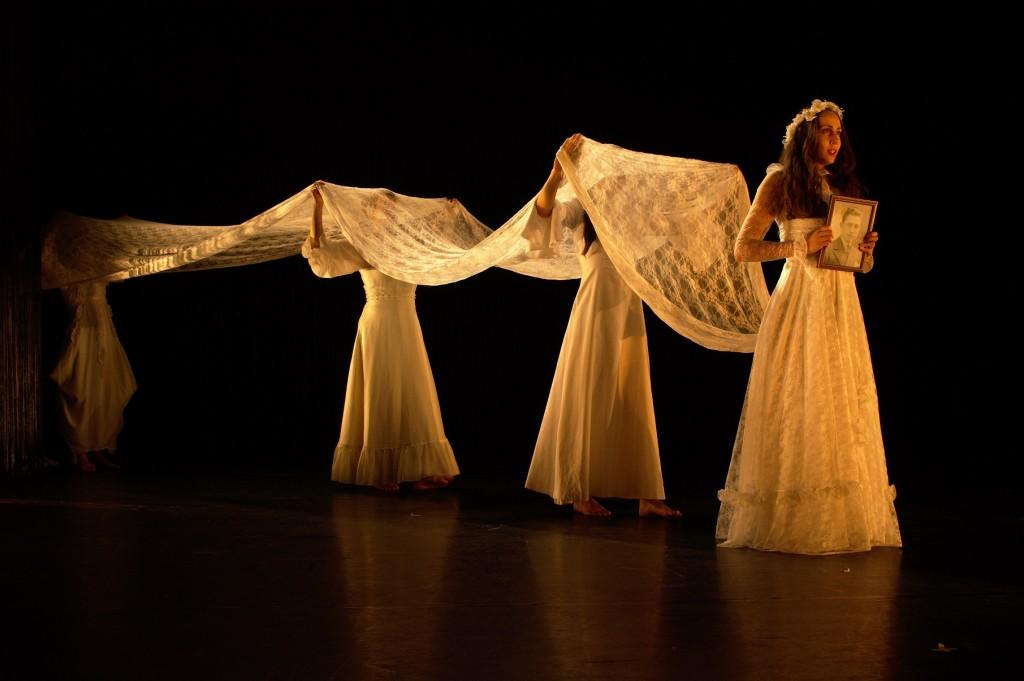 """""""Alba"""", sombre envoûtement où la grâce du geste sublime la vie et le désir"""