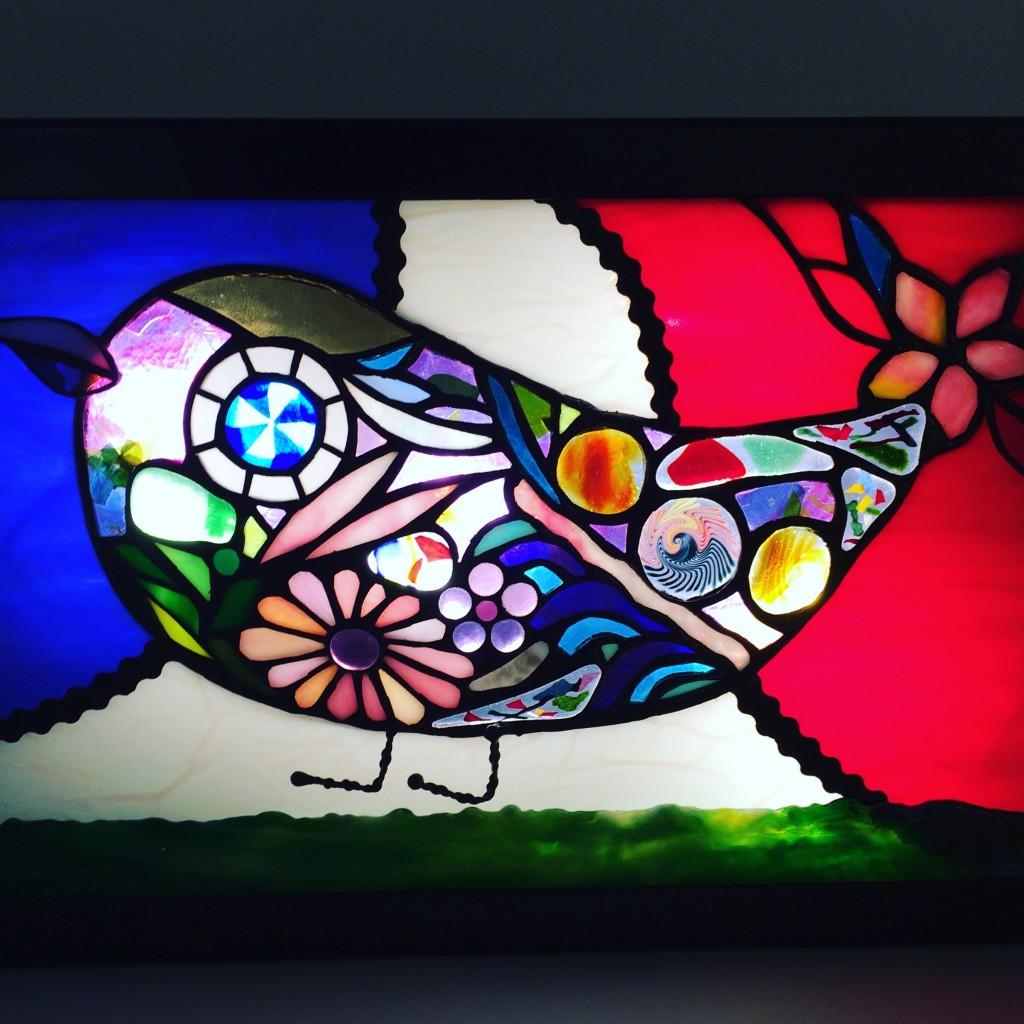 Au fil du temps : la Maison de la Culture du Japon à Paris célèbre l'art du vitrail japonais