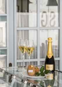 champagne Krug et gâteau de pomme de terre
