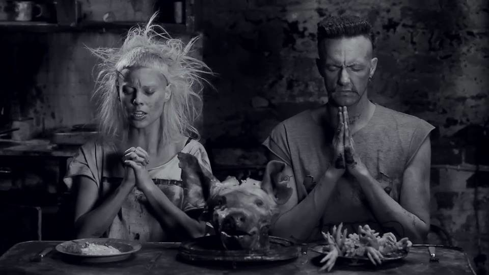 Die Antwoord sort une nouvelle Mixtape : « Suck on This »