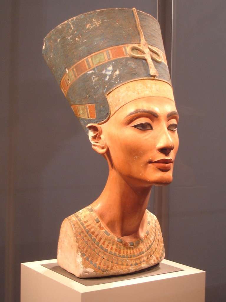 Le tombeau de Néfertiti abrite des mystères, mais peut-être pas Néfertiti