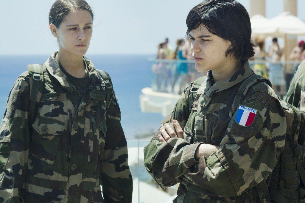 [Cannes 2016, Un Certain Regard] «Voir du Pays» : les désillusions puissantes de jeunes soldates par les soeurs Coulin