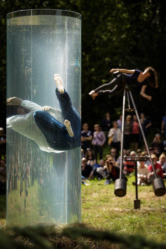[Festival Solstice] Yoann Bourgeois suspend le temps dans le parc de la maison de Chateaubriand