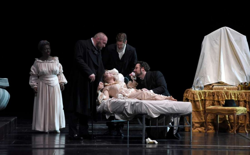 La Traviata, femme dépravée ou au grand coeur à voir à l'opéra Bastille jusqu'au 29 juin 2016 !