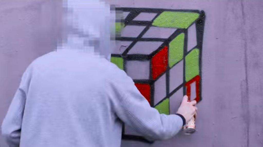 Street art : en Allemagne, des croix gammées transformées en art