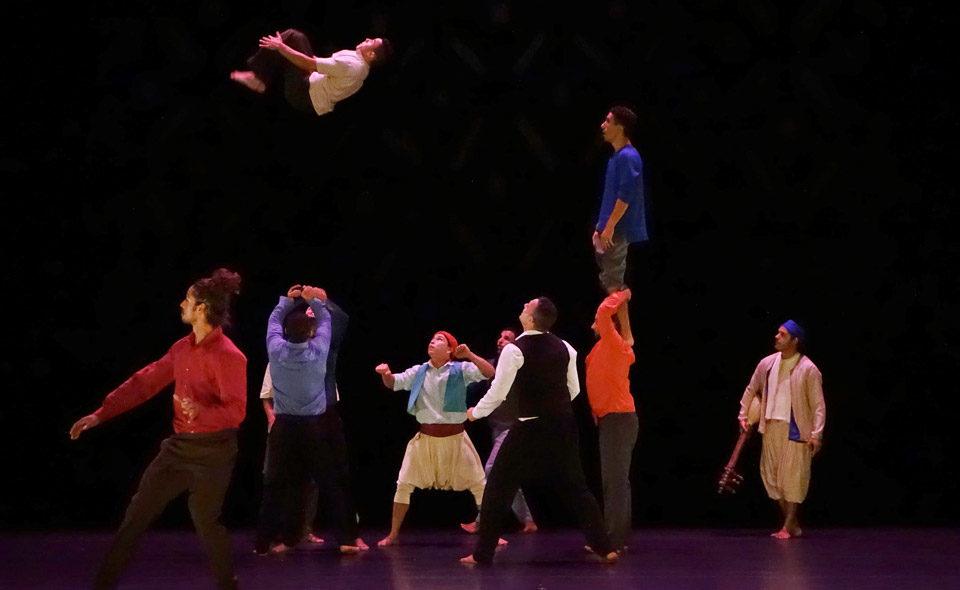 Halka par le groupe acrobatique de Tanger : ce spectacle sera politique ou ne sera pas
