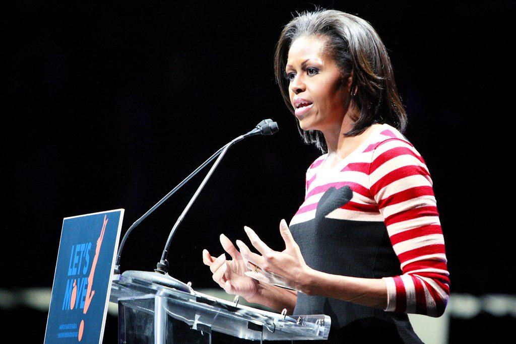 Michelle Obama traitée de «singe à talons»