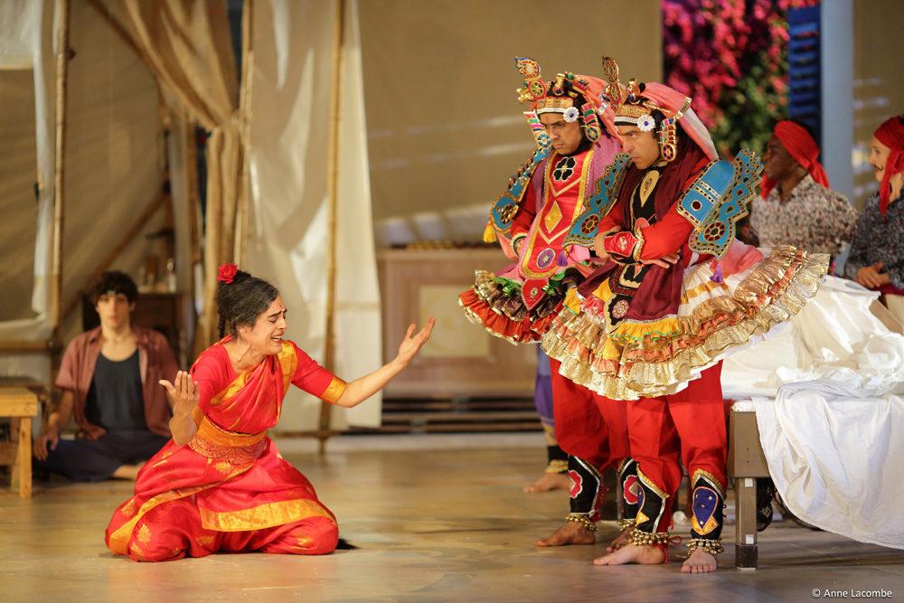 «Une chambre en Inde» dirigée par Ariane Mnouchkine au Théâtre du Soleil