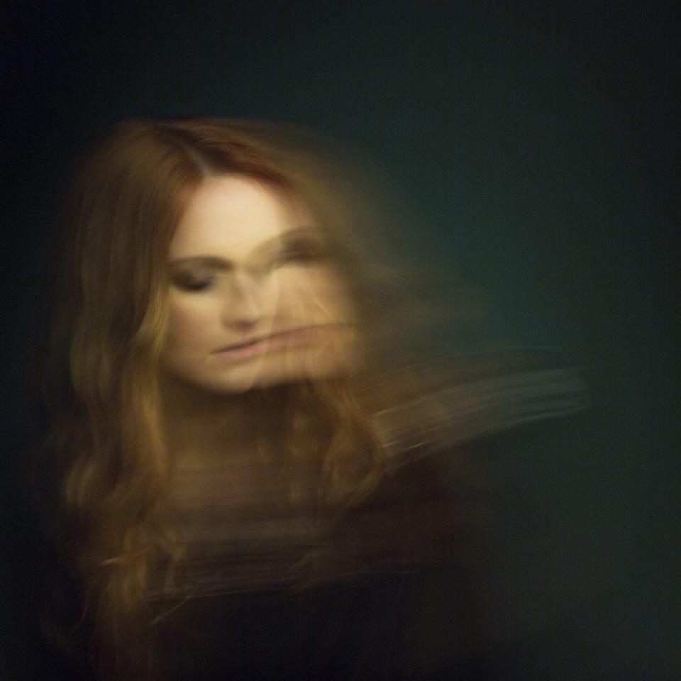 Cathialine: une expérience hypnotique aux Trois Baudets