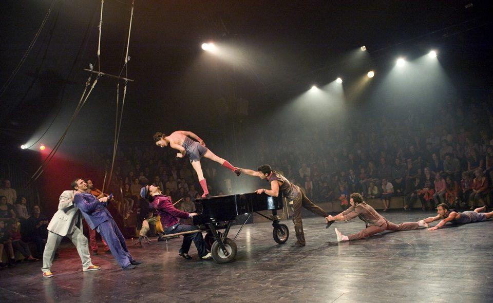 Klaxon, belles acrobaties se cherchent une narration