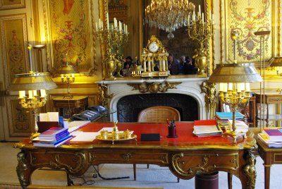 François Hollande appelé à la rescousse par Christine Angot