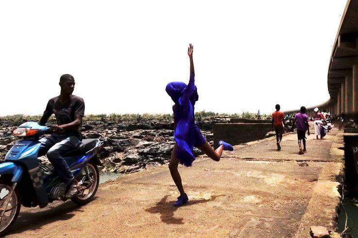 Ana Pi, chorégraphe afrofuturiste, fait surgir la lumière de l'obscurité