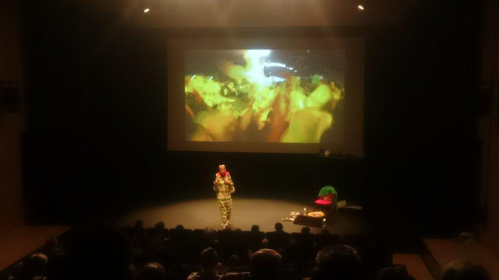 Ana Pi en globe trotteuse pour son tour du monde des danses urbaines