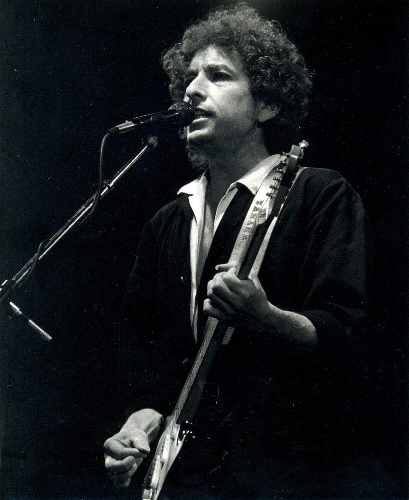 Bob Dylan reçoit enfin son prix Nobel à Stockholm