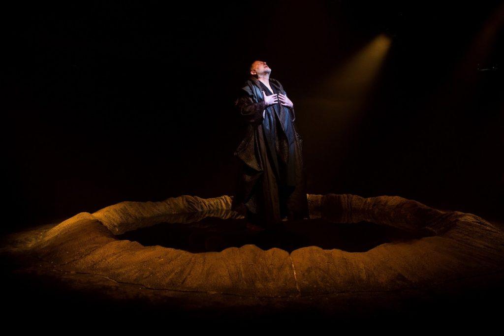 Jean Quentin Châtelain récite «Une Saison en Enfer» de Rimbaud au Lucernaire