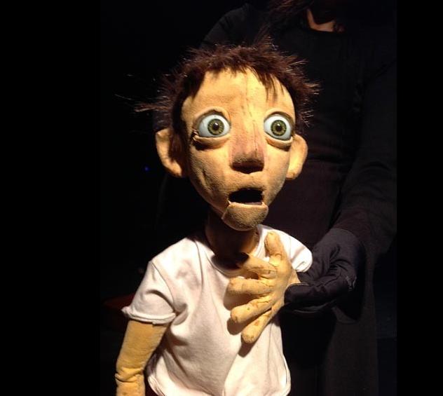 «Je n'ai pas peur»: conte initiatique brillamment mis en marionnettes [Biennale des arts de la Marionnette]