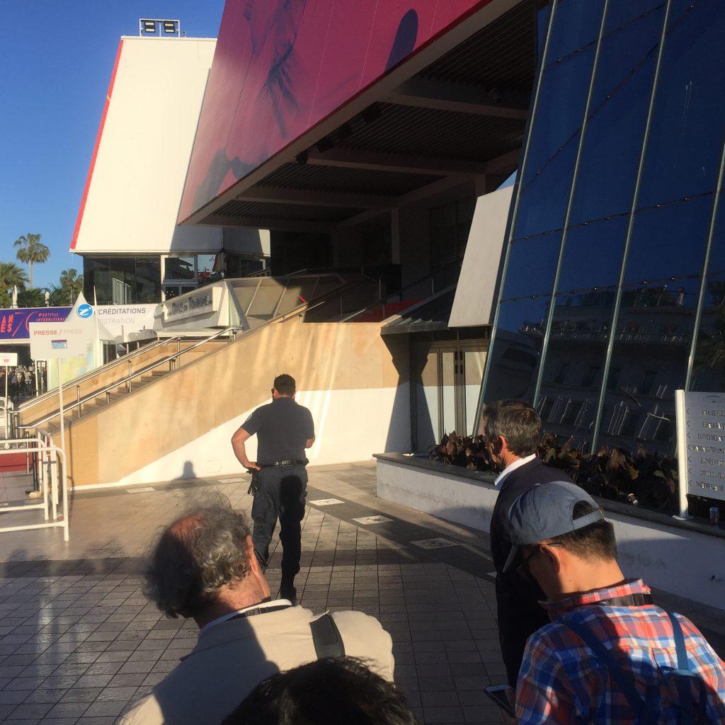 Cannes, jour 4 : le choc 120 bpm, rencontre avec Claes Bang, le retour de Ferrara, et Louis Garrel en Godard