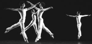 15068163-dance-de-lucinda-childs-nouveau-chef-d-oeuvre-pour-le-ballet-de-lyon