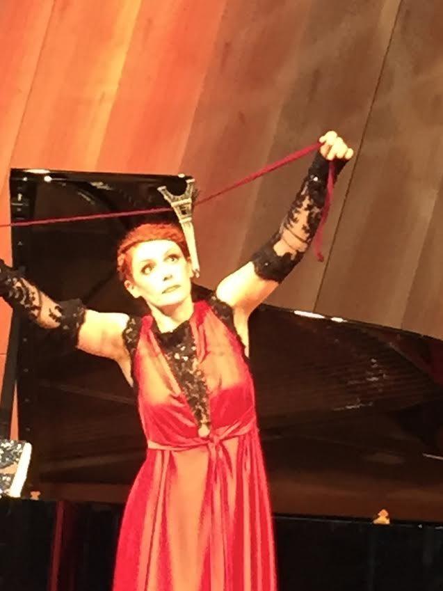 Patricia Petibon ouvre avec grâce et gaieté le Festival de Paris au sommet de la Tour Eiffel