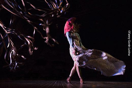 «Le Dur Désir de Durer» du Théâtre Dromesko fait souffler le vent et grincer la faux sur le Printemps des Comédiens