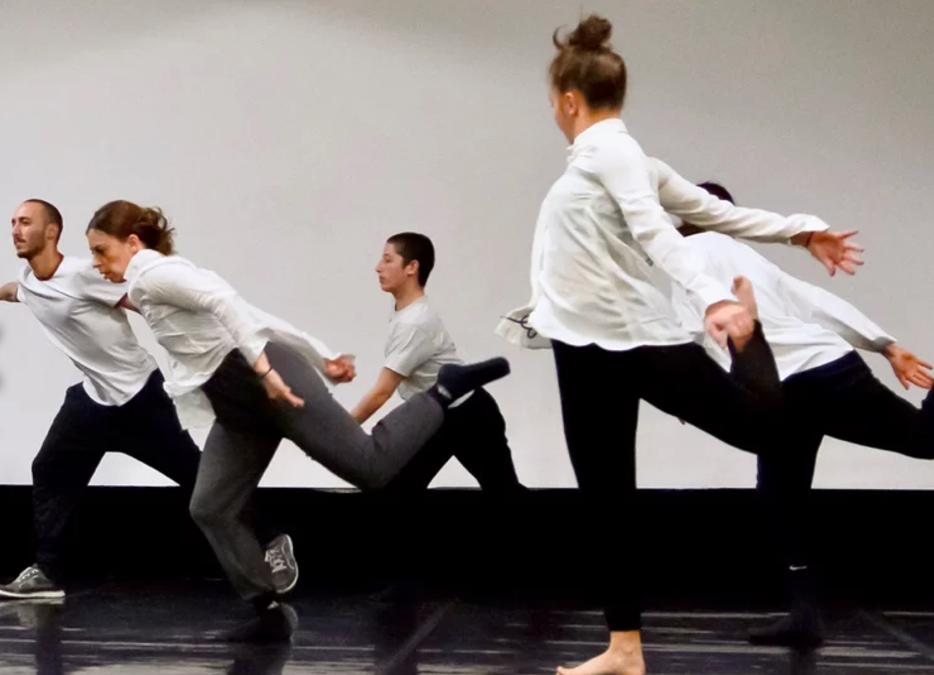 [Avignon OFF] Five, cinq danseurs entre esprit de corps et matière individuelle