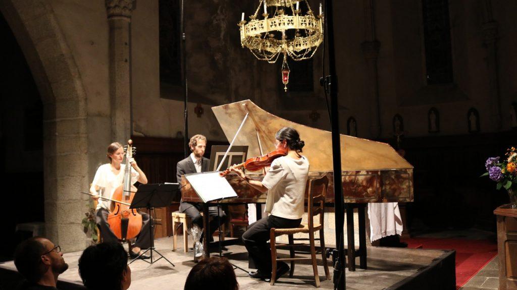 Les Timbres et AnPaPié : deux trios très applaudis à Bach en Combrailles