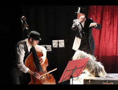 Le temps d'un «Concert de nuit», marionnettiste et contrebassiste se font complices [FMTM17]
