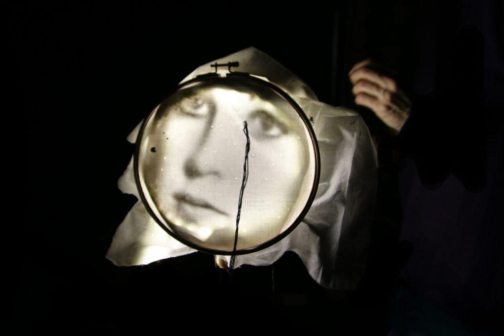 Voir «Les Folles» et célébrer la mémoire et la liberté [Festival Mondial des Théâtres de Marionnettes]