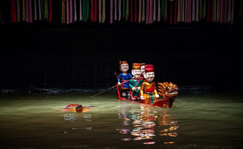 L'émerveillement des marionnettes sur eau du Vietnam