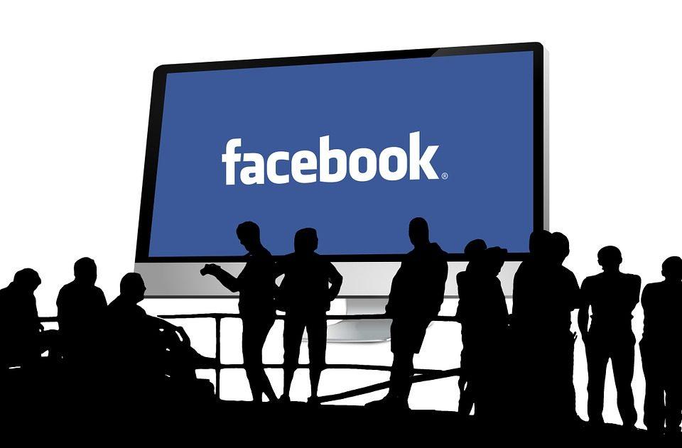 Le ménage de Facebook face aux fausses informations.