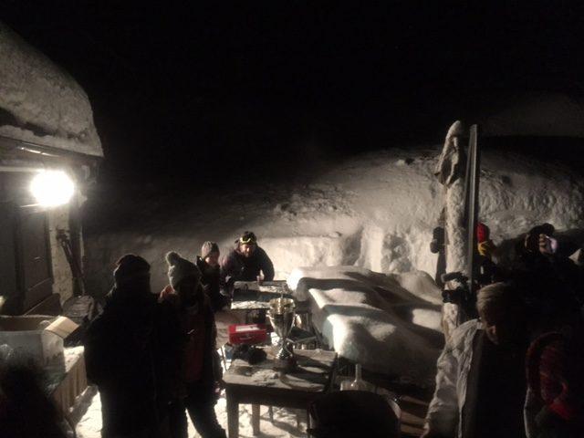 Les Arcs, jour 3 : L'Autriche performante, la tradition Pakistanaise et une descente en luge dans la nuit