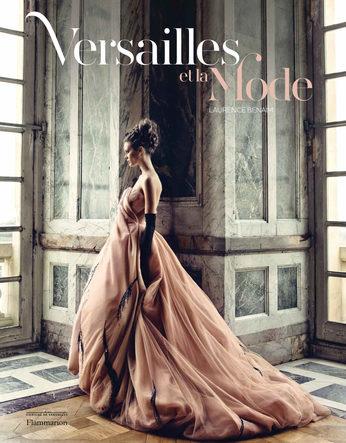 «Versailles et la mode», l Beau-Livre à offrir à tous les fans de Dior et de Royauté