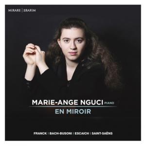 marie-ange-nguci-en-miroir