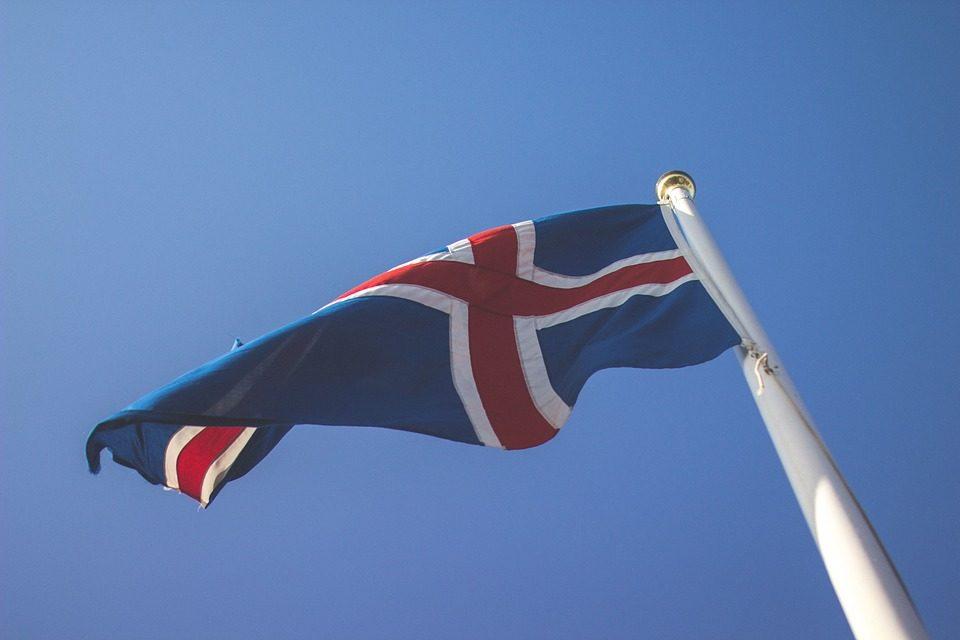 Islande : il est désormais illégal de payer une femme moins qu'un homme