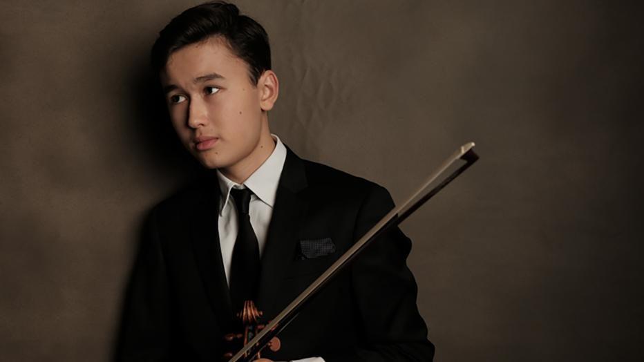 Daniel Lozakovitch, violoniste suédois de 17 ans, à la Salle Gaveau