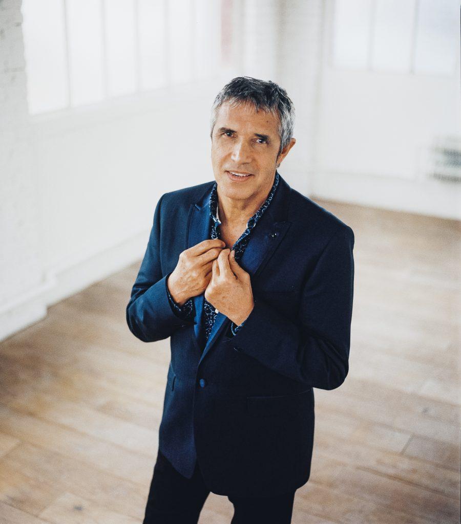Julien Clerc célèbre 50 ans d'amour avec son public à l'Olympia