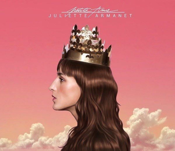 Juliette Armanet, tornade rose bonbon de passage sur Angers
