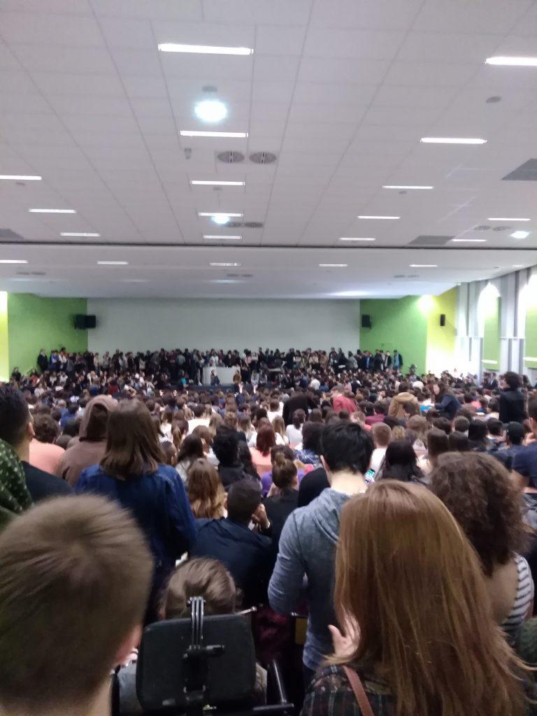 L'Assemblée Générale de l'Université Paris Ouest Nanterre vote le blocage à la majorité