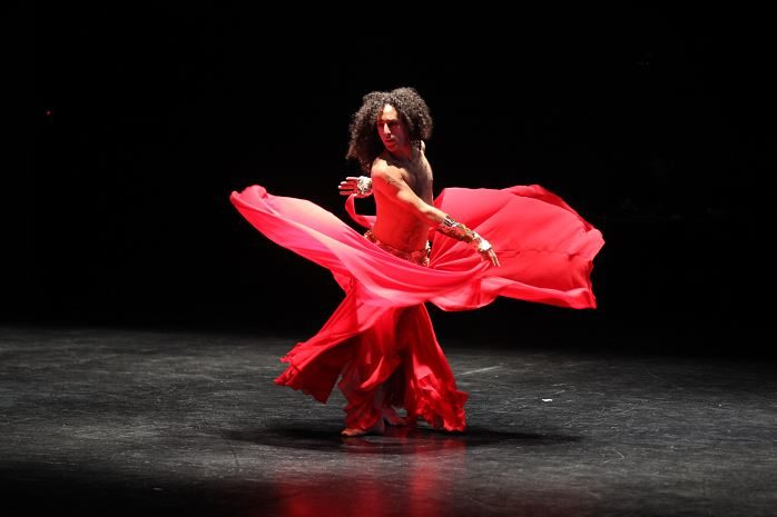 Tajwal : Alexandre Paulikevitch ouvre le Printemps de la Danse arabe avec puissance et majesté
