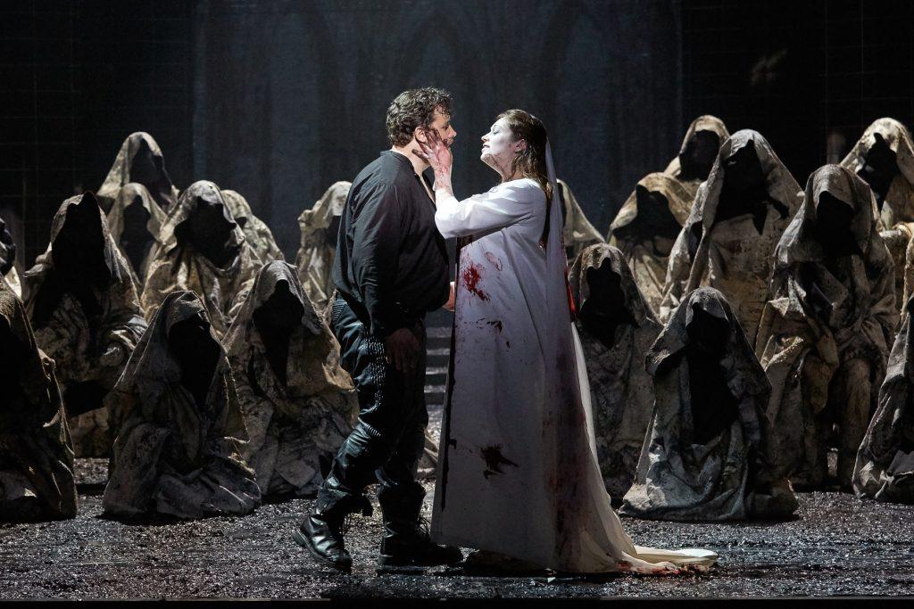 Ténébreuse et troublante «La Nonne Sanglante» de Charles Gounod à l'Opéra comique.