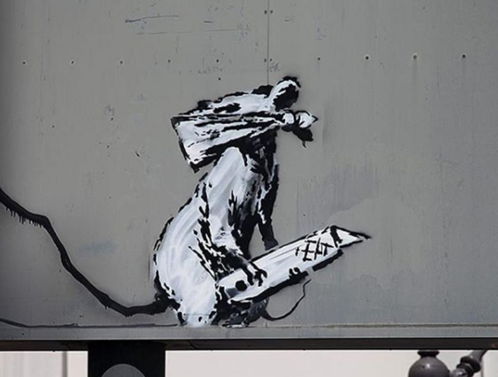 Street art : Banksy de retour à Paris avec des œuvres engagées