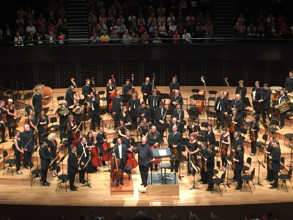 A la Philharmonie de Paris, l'élégante espièglerie de Sir Roger Norrington