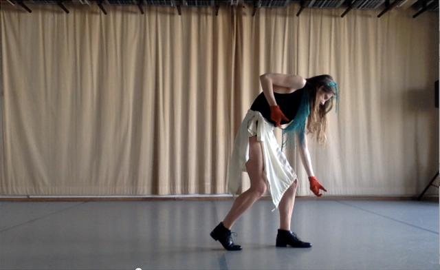 Madeleine Fournier danse «Autour du projet Labourer» au Festival June Events