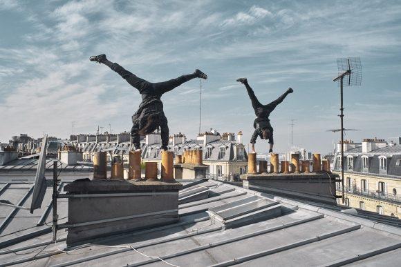 «Léonie et Noélie», Karelle Prugnaud hisse le jeune public très haut au Festival d'Avignon