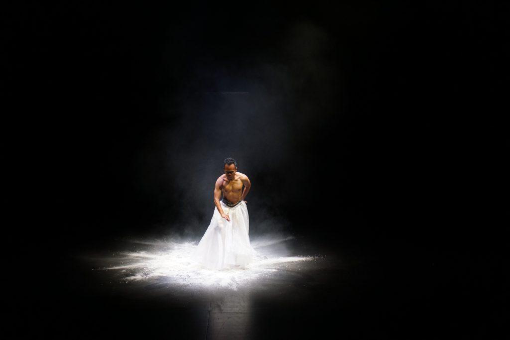 Le chorégraphe Eko Supriyanto danse l'île de Java au Festival de Marseille