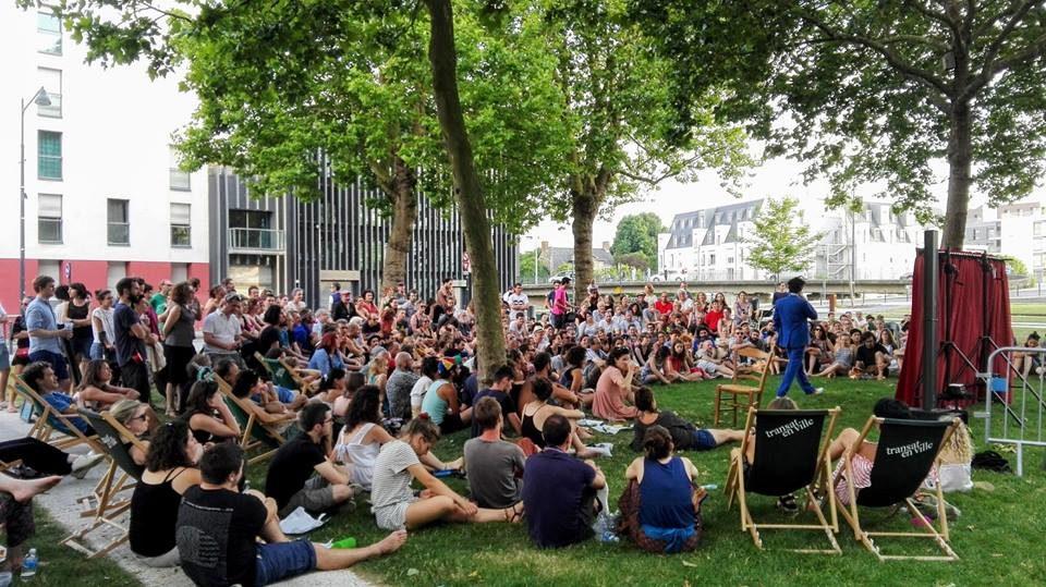 """A Rennes, plus de 2000 personnes pour le festival """"Paillettes et mimolettes"""""""